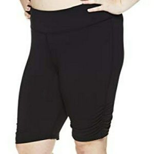 GAIAM YOGA shorts